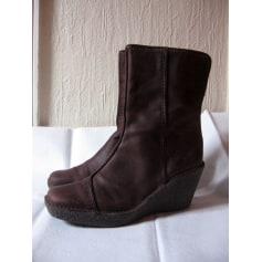 Bottines & low boots à compensés Fly London  pas cher