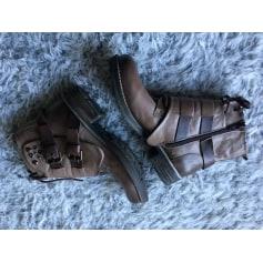 Bottines & low boots plates Bertuchi  pas cher