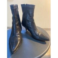 Bottines & low boots à talons Charles Jourdan  pas cher