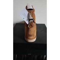 Chaussons & pantoufles UGG  pas cher