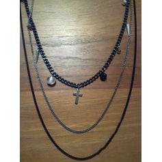 Pendant, Pendant Necklace Caroll