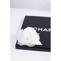 Broche Chanel Camelia pas cher