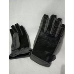 Gloves Bonfire