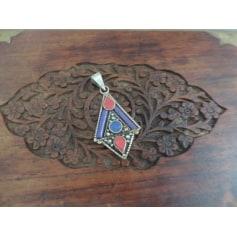 Pendentif, collier pendentif Argent tibétain  pas cher