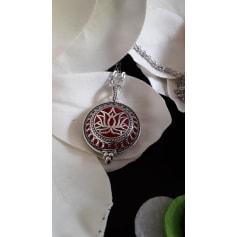 Pendentif, collier pendentif Atelier artisanal  pas cher