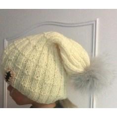 Bonnet Modèle artisanat unique  pas cher