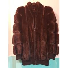 Blouson, veste en fourrure Dior  pas cher