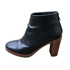 Bottines & low boots à talons APC  pas cher