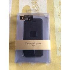 Etui iPhone  Christian Lacroix  pas cher