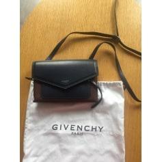 Sac en bandoulière en cuir Givenchy  pas cher
