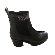 Bottines & low boots à talons Tommy Hilfiger  pas cher