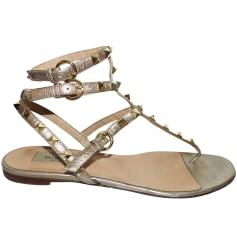 Sandales plates  Valentino Rockstud pas cher