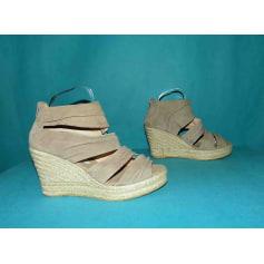 Sandales compensées Kanna  pas cher