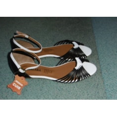 Sandales plates  KILLANA  pas cher
