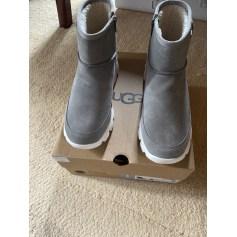 Bottines & low boots à compensés UGG  pas cher