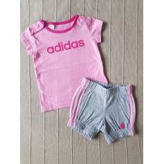 Ensemble & Combinaison short Adidas  pas cher