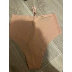 String Victoria's Secret  pas cher