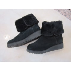 Bottines & low boots à talons UGG  pas cher