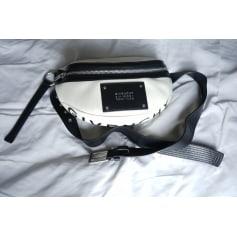 Pochette en bandoulière Givenchy  pas cher