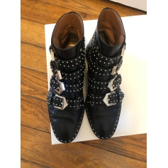 Flache Stiefeletten Givenchy Obsedia