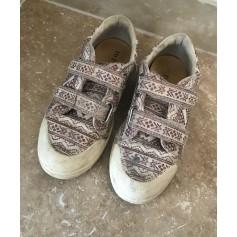 Chaussures à scratch 10 IS  pas cher