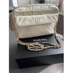 Sac en bandoulière en cuir Chanel Camera pas cher