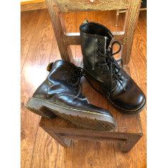 Santiags, bottines, low boots cowboy Dr. Martens  pas cher