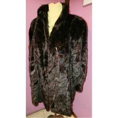 Manteau en fourrure B. BERMOND  pas cher