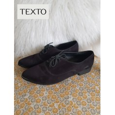 Lace Up Shoes Texto