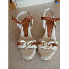Sandales compensées Guess  pas cher