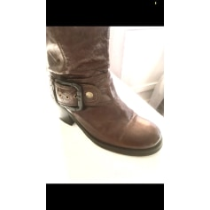 High Heel Boots Texto