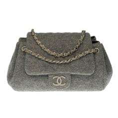 Sac en bandoulière en tissu Chanel Timeless - Classique pas cher