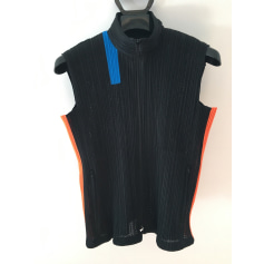 Gilet sans manches Pleats Please by Issey Miyake  pas cher