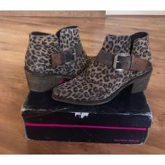 Bottines & low boots à talons Buffalo  pas cher