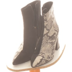Flat Ankle Boots André