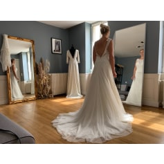 Wedding Dress Modeca