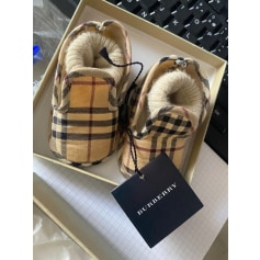 Chaussons Burberry  pas cher