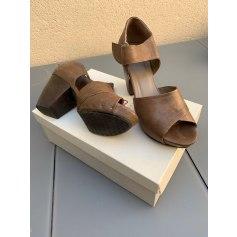 Sandales à talons Vialis  pas cher