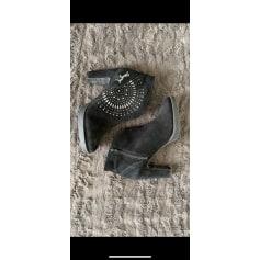 Bottines & low boots à talons Desigual  pas cher