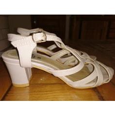 Sandales à talons inconnue  pas cher