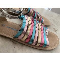 Sandales plates  Vertbaudet  pas cher
