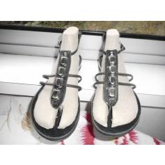 Sandales plates  Nine West  pas cher