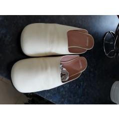Flat Sandals Camper