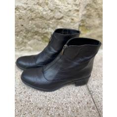 Bottines & low boots à talons André  pas cher