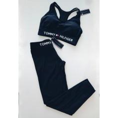 Ensemble jogging Tommy Hilfiger  pas cher