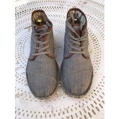 Lace Up Shoes Toms