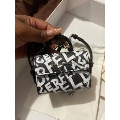 Sac à main en cuir Karl Lagerfeld  pas cher