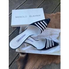 Escarpins à bouts ouverts Manolo Blahnik  pas cher