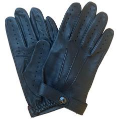 Gloves Dents
