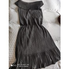 Robe mi-longue Pleats Please by Issey Miyake  pas cher